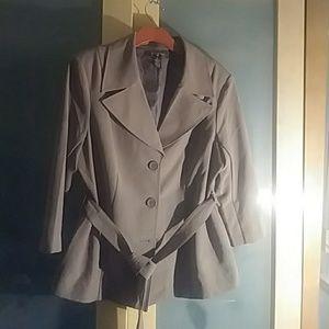 Taupe blazer.   3/4 length sleeves.